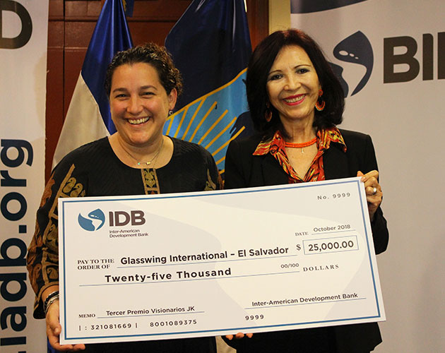Glasswing's Community Schools program receives distinguished IDB award